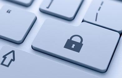 Privatlivspolitik. Foto med tastatur og hængelås